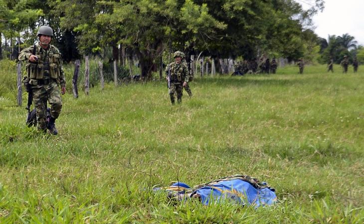 Resultado de imagen de Mueren dos soldados en emboscada atribuida a disidencias de las FARC