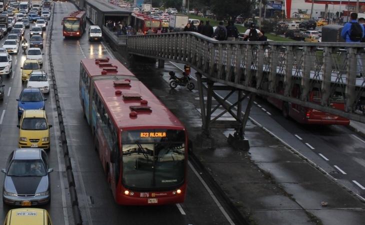 Choque de buses de Transmilenio deja catorce lesionados