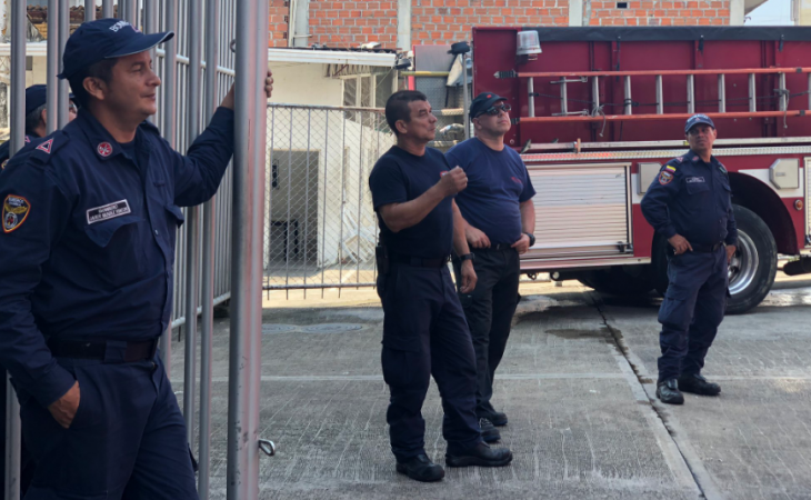 """""""Gordos, hagan ejercicio"""": bomberos de Bucaramanga denuncian matoneo"""