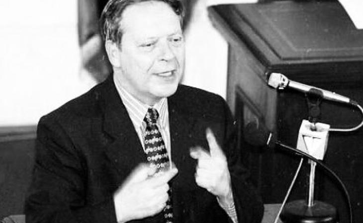 Falleció economista Carlos Ossa E.