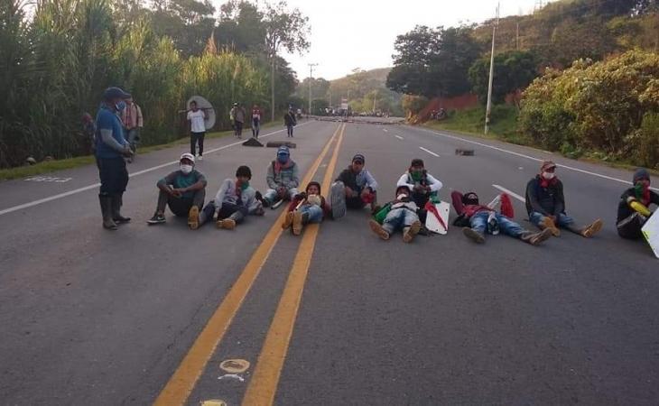 Por segundo día, miles de indígenas bloquean la Panamericana