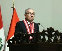 Asume cuestionado fiscal en Peru